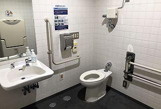車いす対応トイレ:画像